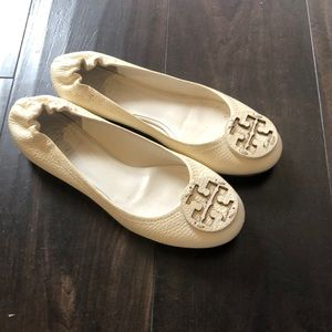 Off white leather Tory Burch Flats size 6!